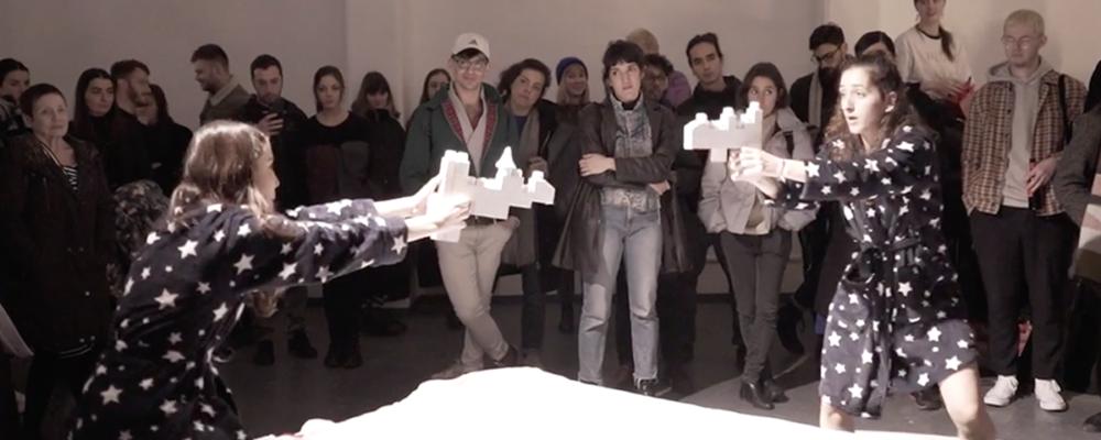 Performance: Daisies